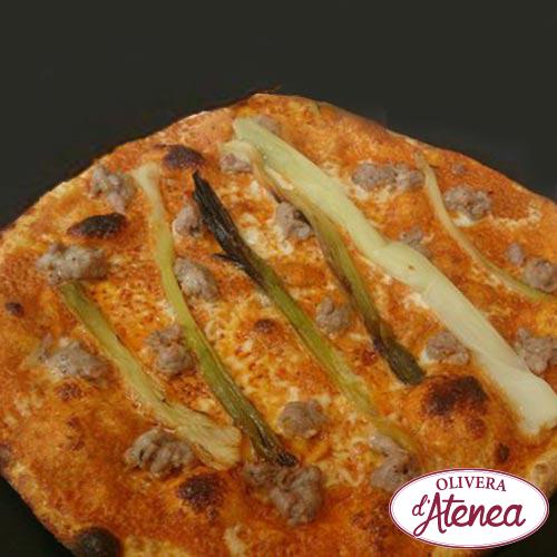 Pizza de calçots con Romesco