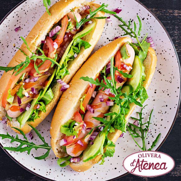 Hot Dog al punt de picant amb Salsa Brava