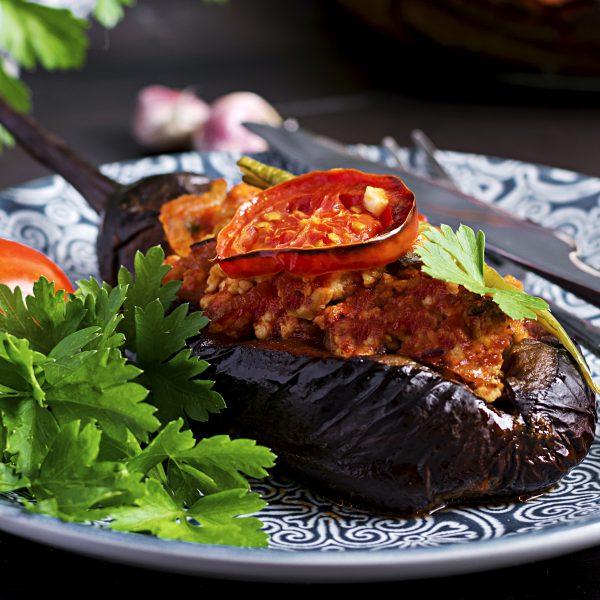 Berenjenas rellenas con salsa Boloñesa Vegana