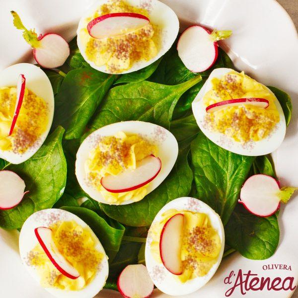 Huevos rellenos endiablados